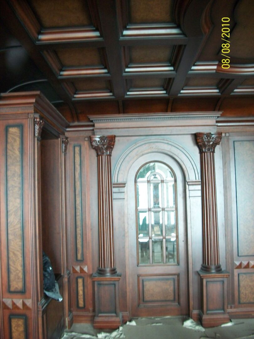 Стеновые панели и потолок из дерева