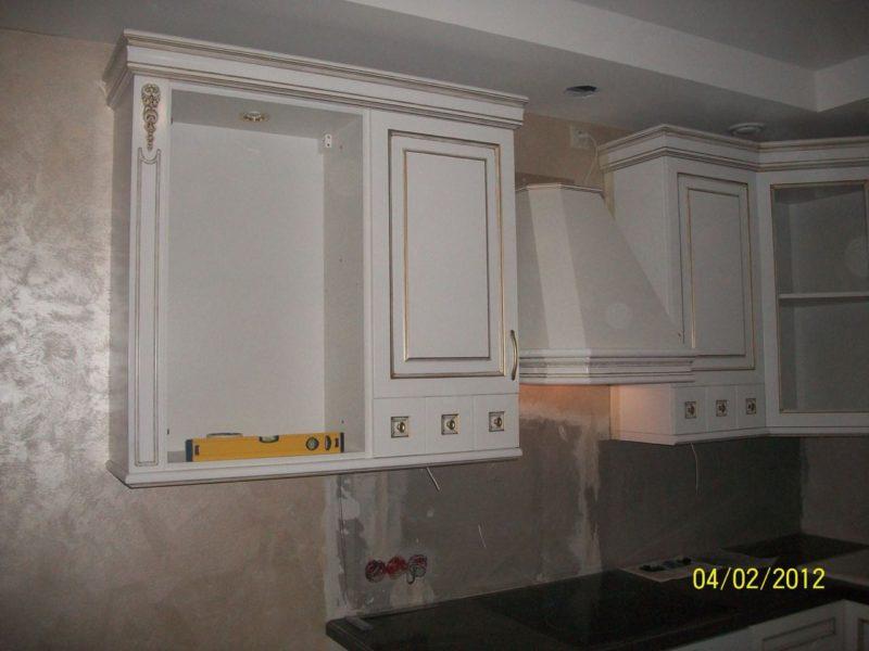 Кухня с фасадами из МДФ с патиной