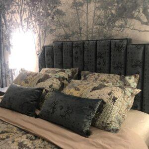 Кровать с мягким изголовьем серым жаккардовым