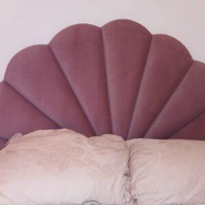 Кровать с мягким изголовьем розовая